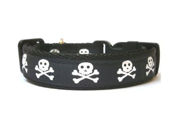 Skull & Crossbones Collar - Black