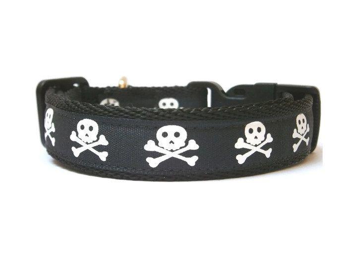 Skull & Crossbones Collar - Black