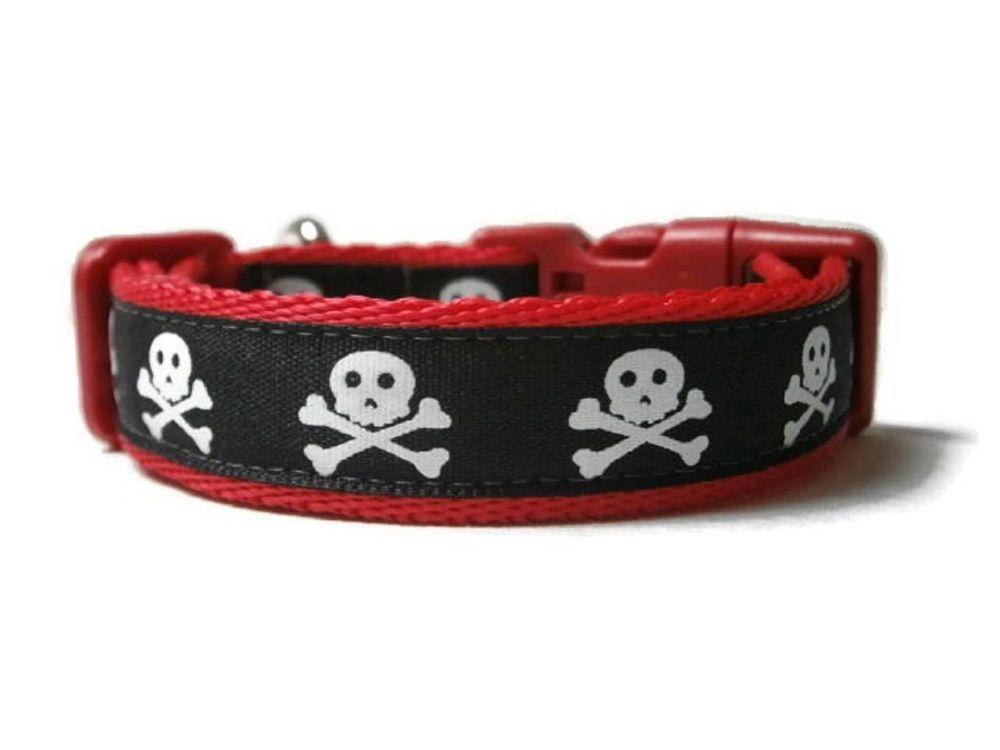Skull Collar - Red