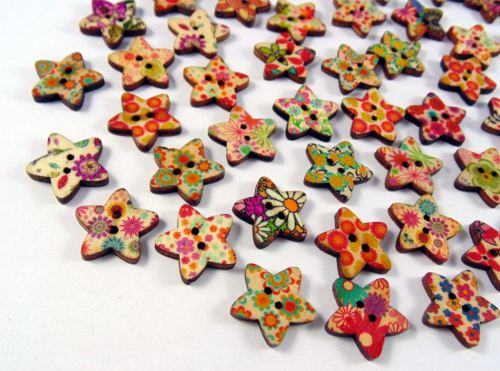 15mm Patterned Wooden Star Buttons