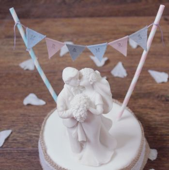 Mr & Mrs Wedding Cake Bunting