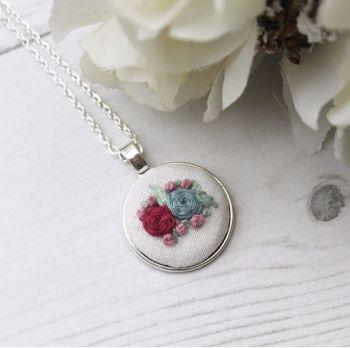 Winter Round Necklace