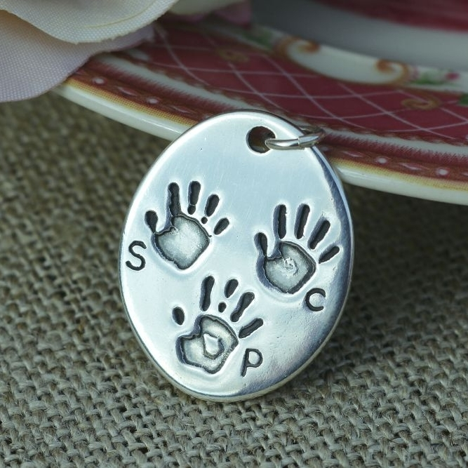 <!--002-->Handprint jewellery