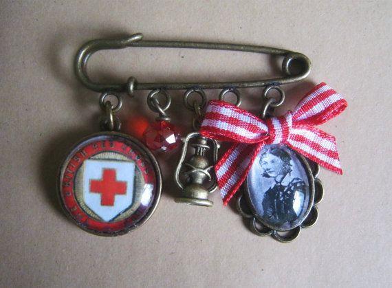 Florence Nightingale / Red Cross / Nursing Pin Brooch