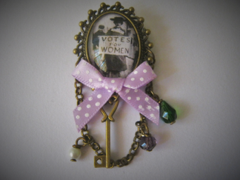 Suffragette / Votes for Women Pin Brooch