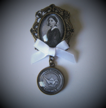 Florence Nightingale / Nursing Graduate Fob Brooch