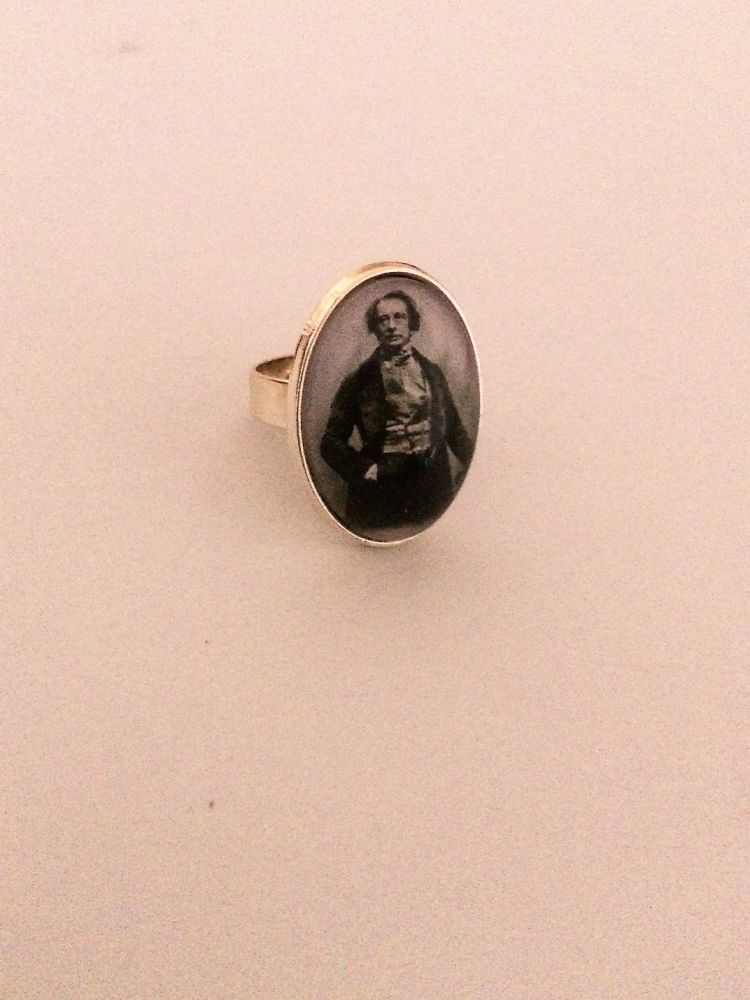 Charles Dickens Ring