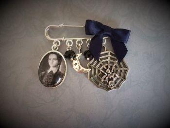 HALLOWEEN !!!   Wednesday Addams Halloween Pin Brooch