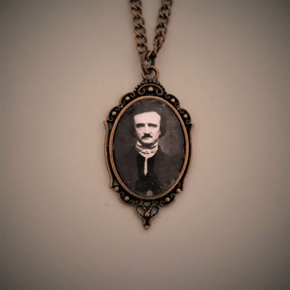Edgar Allan Poe Necklace - Halloween !