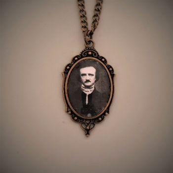 HALLOWEEN !!!   Edgar Allan Poe Necklace - Halloween !