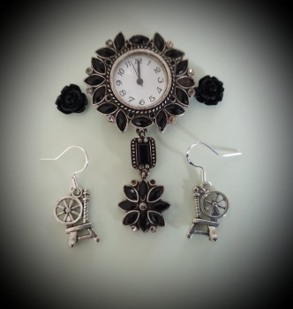 HALLOWEEN! Silverplated Spinning Wheel Earrings Earrings