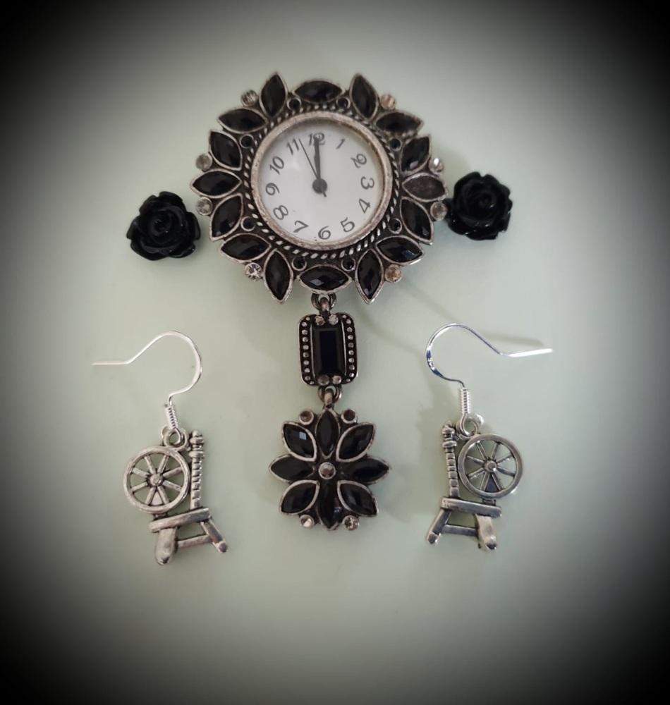 HALLOWEEN! Silverplated Spinning Wheel Earrings Earrings