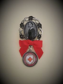 Vintage Florence Nightingale / Red Cross / Silvertone Nursing / Pinning Ceremony Brooch