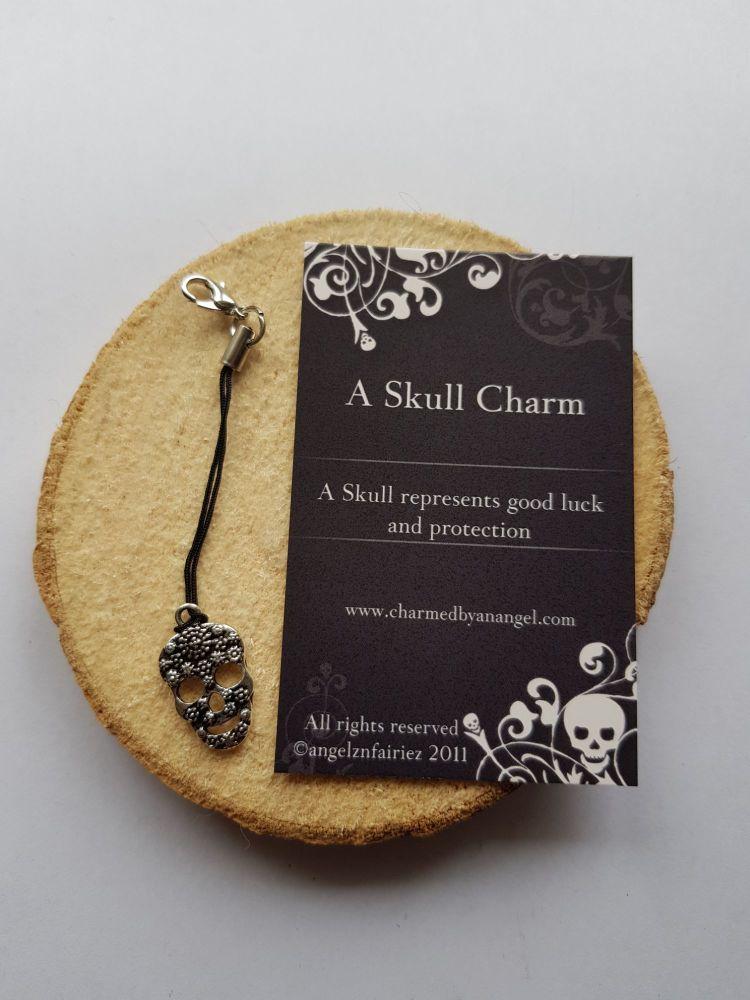Skull Clippy Charm