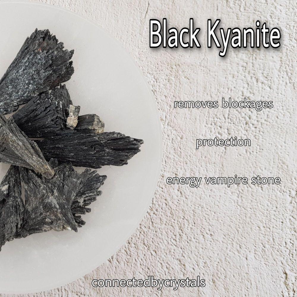 Black Kyanite - Non attachment