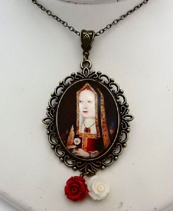 Elizabeth of York necklace