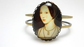 Anne Boleyn portrait bangle - Henry VIII wife - Tudor Queen - Medieval re-enactment jewellery