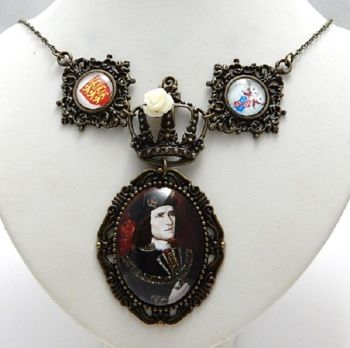King Richard III medieval style necklace War of The Roses