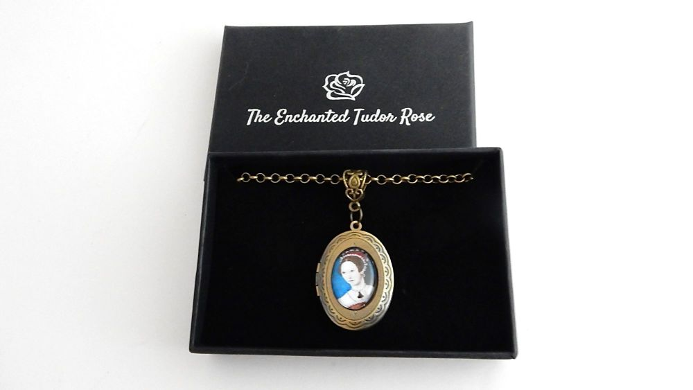 Queen Mary necklace