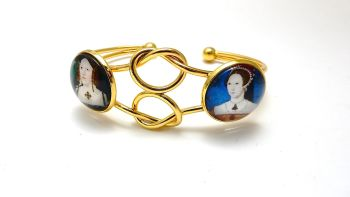 Infinity Love Knot bangle - mother and daughter - Catherine of Aragon and Princess Mary - love forever