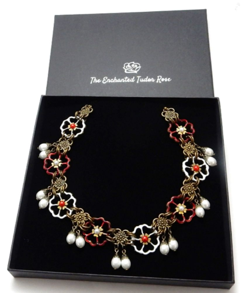 War of the Roses Necklace - Lancaster and York Rose