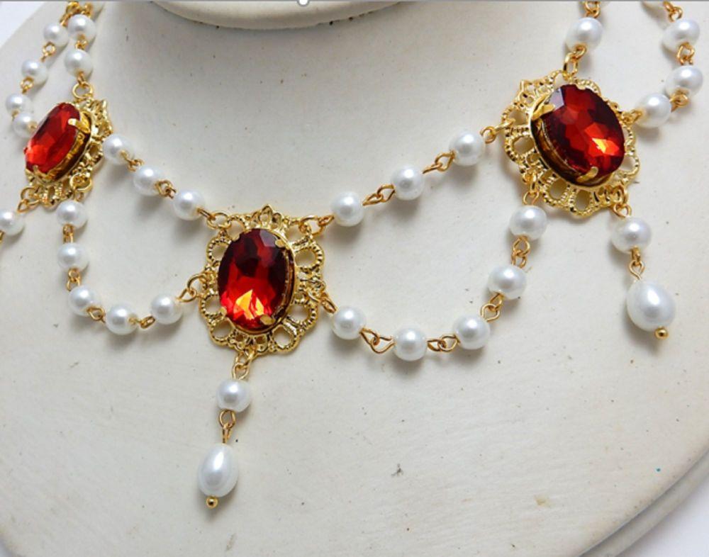 Tudor Queen Red Pearl Necklace
