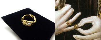 King Richard III Medieval Ring - raw brass ring with faux pearl - Plantagenet reproduction jewellery - War Of The Roses - Loyaulte Me Lie