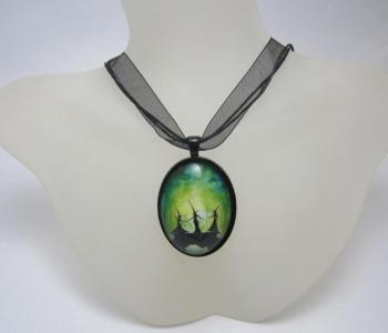 Merry Meet necklace