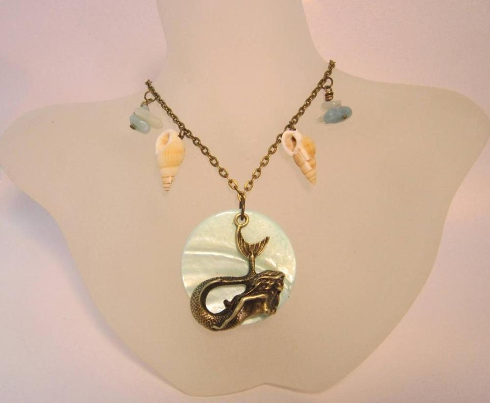 The Seashell Mermaid necklace