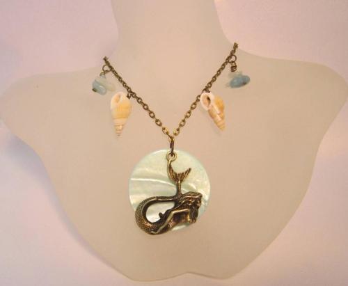 The Seashell Mermaid necklace