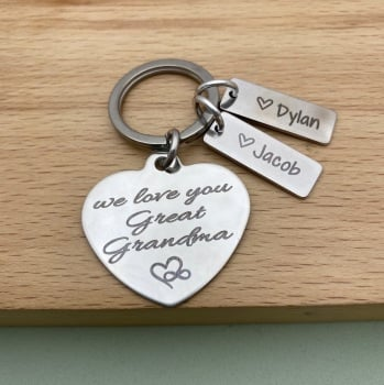 We Love you Great Nanny, Grandma - heart name keyring