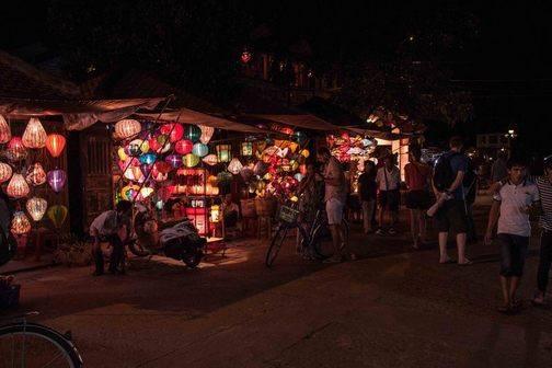 Silk lantern shops Hoi An