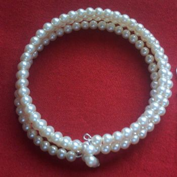 Giulia - Glass Pearl Memory Wire Bangle