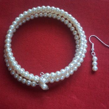 Giulia - Glass Pearl Memory Wire Bangle & Earrings