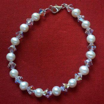 Annetta - Swarovski Crystal & Freshwater Pearl Bracelet