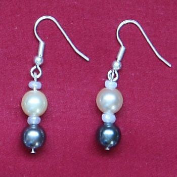 Francesca - Glass Pearl Earrings