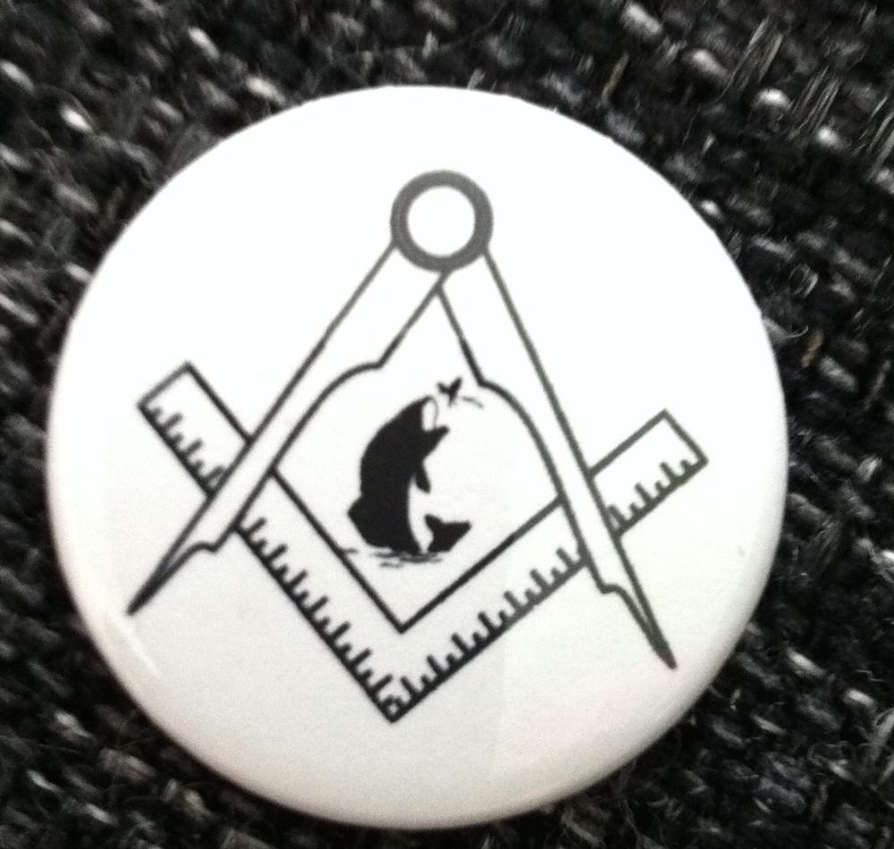 25mm pin badge Fish