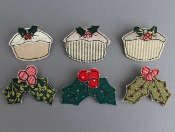 Christmas Mince Pie & Holly Brooch Pattern