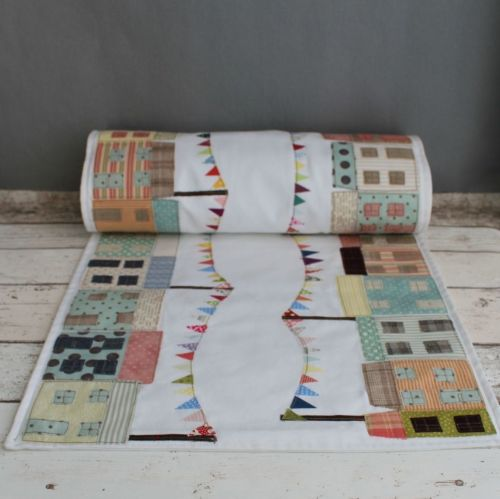 Cheerful Cottages Table Runner