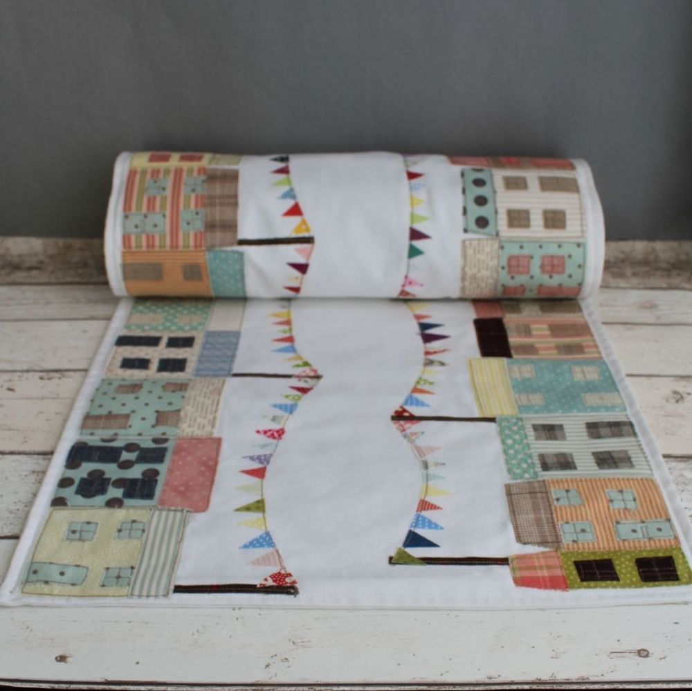 Cheerful Cottages Table Runner Pattern