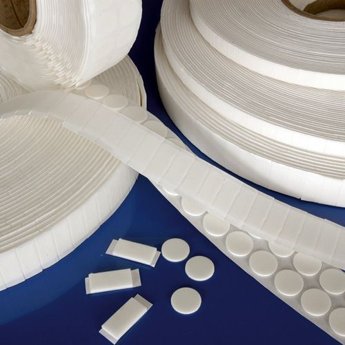 White Square Foam Pads - Jumbo Roll 25mm x 25mm x 2mm    (1500 Pads Per Roll)