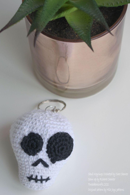 Crocheted Skull Keyring