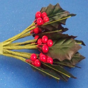 Holly & Berries Stem