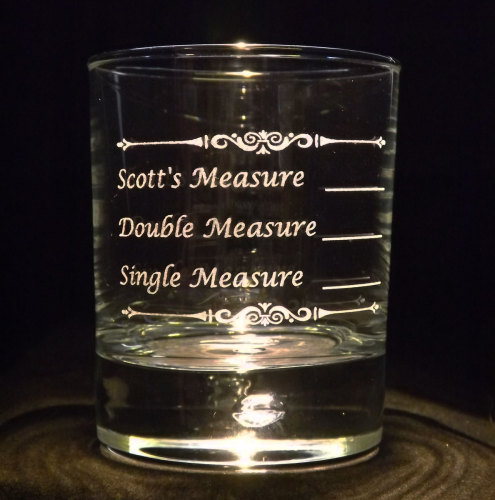 Personalised Whiskey Measure - A great gift for the person who loves a tipp