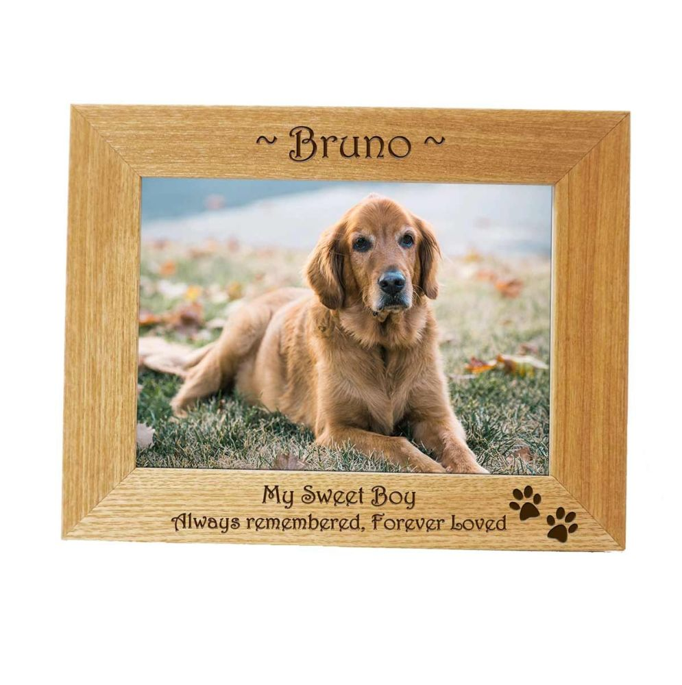 Personalised Pet Memorial Frame with Paw Prints