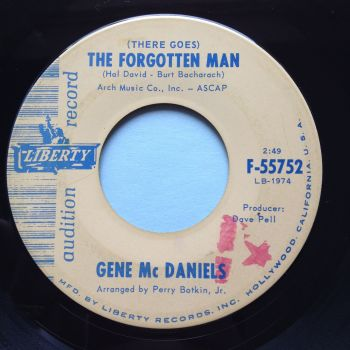 Gene McDaniels - (There goes) The Forgotten Man - Liberty promo - Ex