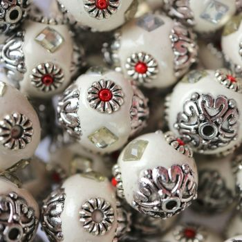 1 Handmade Indonesia Round Beads, with Resin Cabochons and Antique Silver Alloy Cores, White, 16~18x16~17mm, Hole: 1.5mm