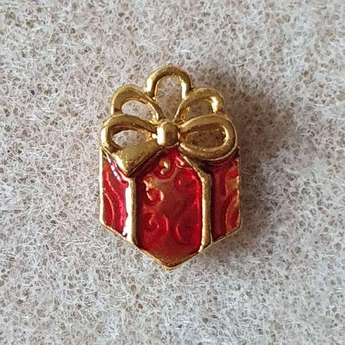 Present Pendant