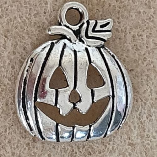 Pumpkin Shiny Silver Colour Metal Charm