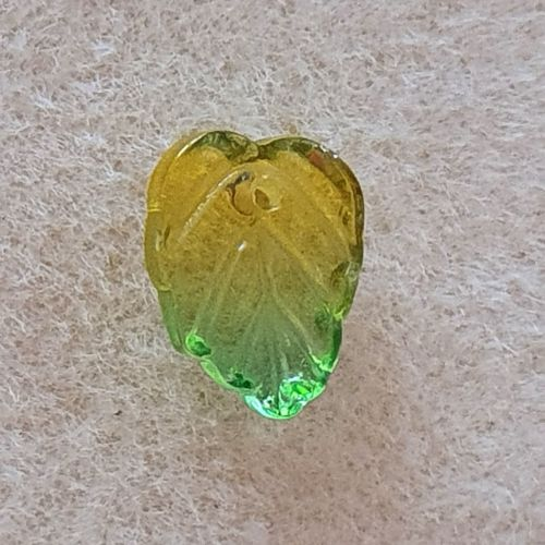 Leaf Yellow / Green Glass Bead